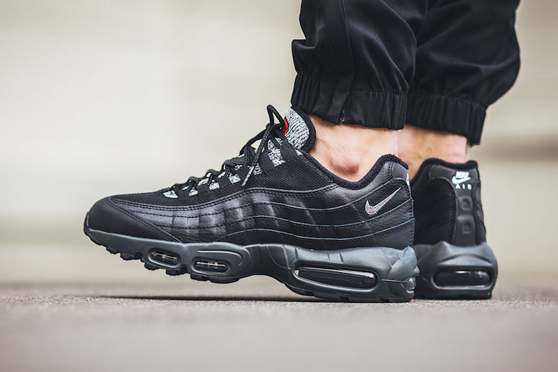 Cheap Nike Air Max 95 Essential 749766 005 Black/Wolf Grey Men's