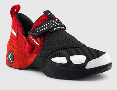 "Jordan Trunner LX ""Chicago Bulls"" Black Red"