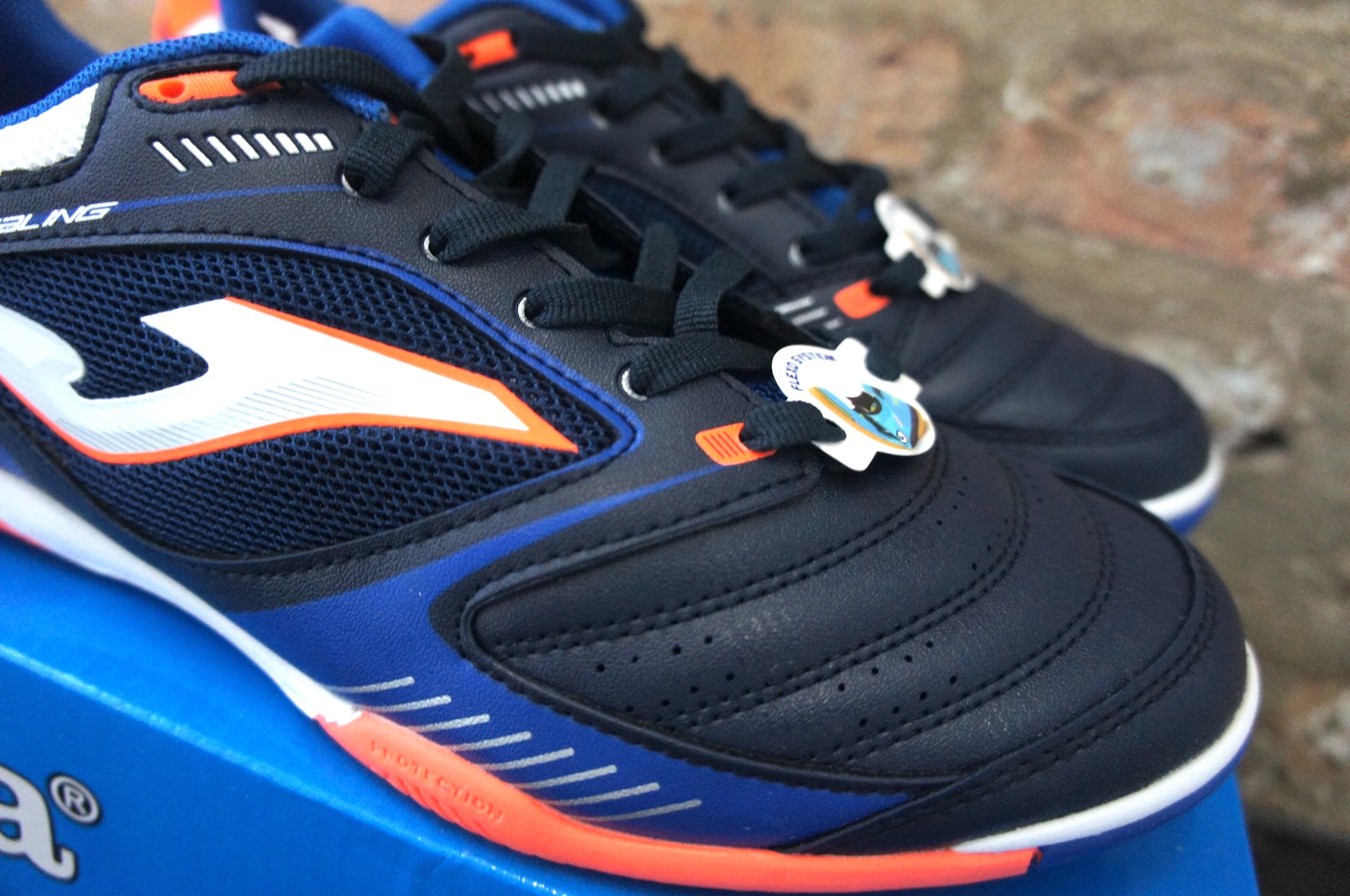 Joma Dribling Indoor Soccer Shoes Review