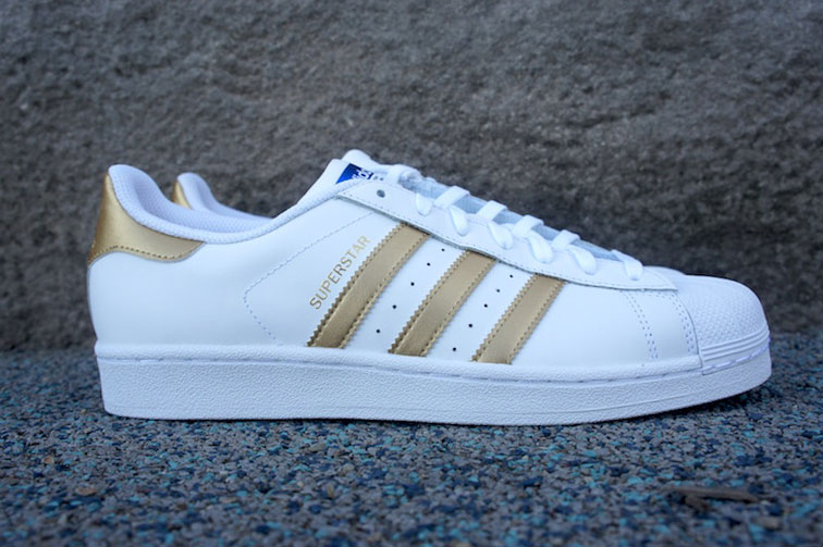 buy online 4d5b0 7d0a7 adidas Superstar White Gold Is Back
