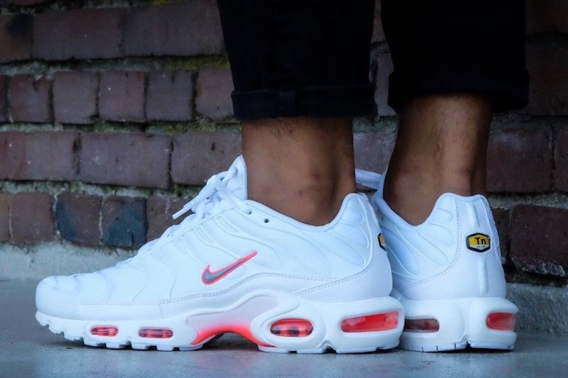 Nike Air Max Plus TN White Crimson On Sale $98 - Soleracks