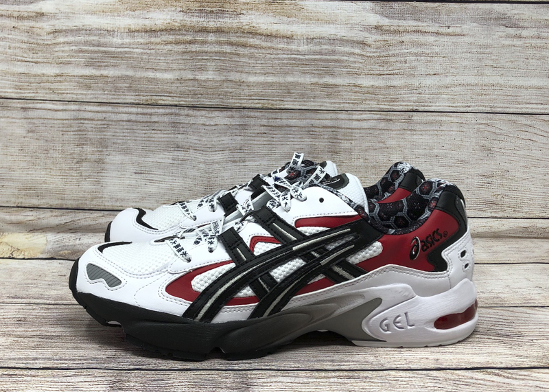 Respectivamente palanca Pegajoso  ASICS GEL-Kayano 5 OG White Black Red