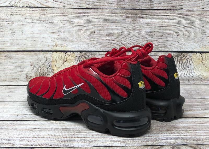 Nike Air Max Plus University Red Black Soleracks
