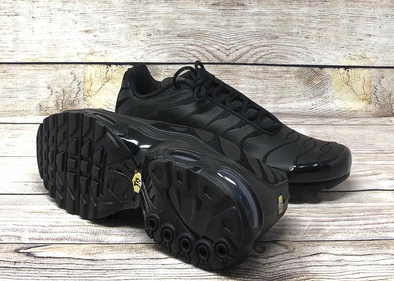 Nike Air Max Plus leather triple black AJ2029 001 4