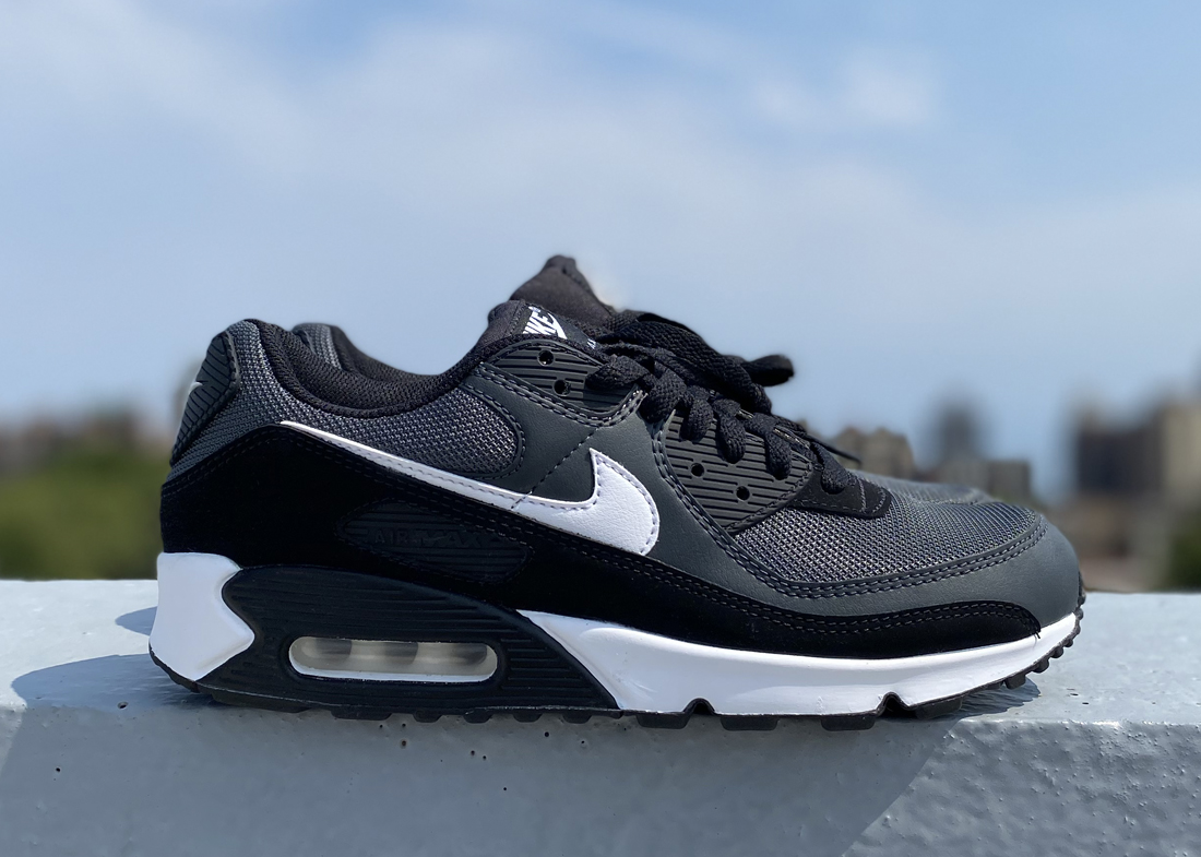 Nike Air Max 90 review