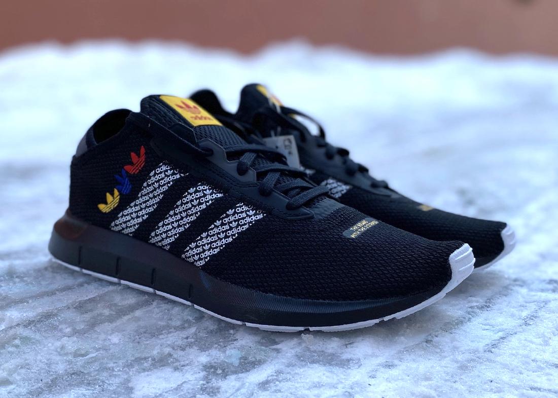 FZ4837 001 Swift Run black tricolor 2